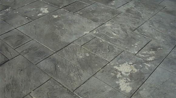 Tratamiento de manchas en el pavimento impreso paindesco for Quitar hormigon impreso